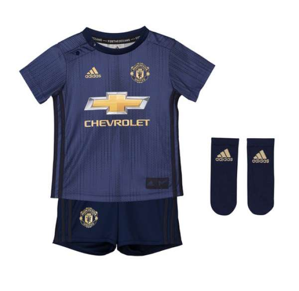 separation shoes e69b0 bb18b Manchester United Third Infants Kit 2017-18